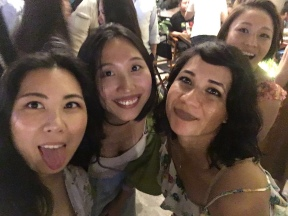 Night out with chicas